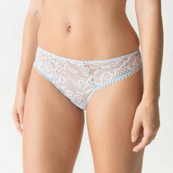 side view of PrimaDonna Twist Wild Rose Thong in Cloud
