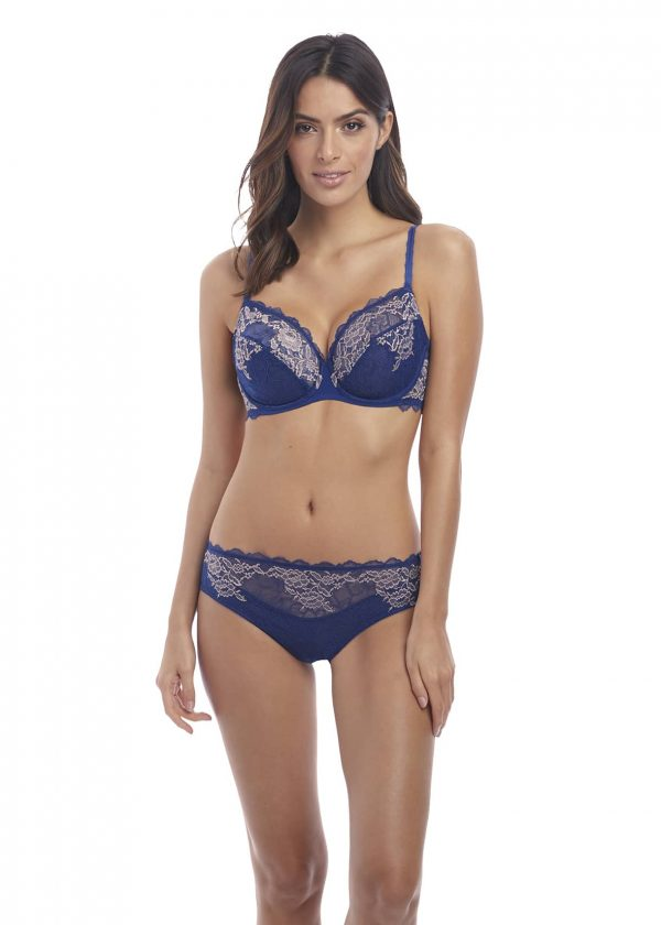 wearing the Wacoal Lace Perfection Brief in Sapphire Blue with wire bra