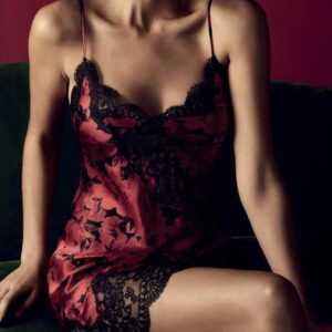buy the Aubade Toi Mon Amour Silk Chemise in Opera Red