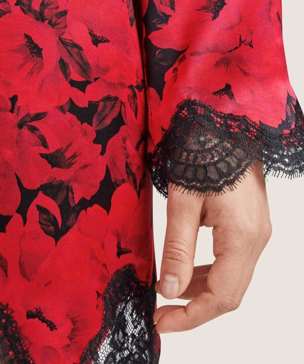 close up of Aubade Toi Mon Amour Silk Robe in opera red