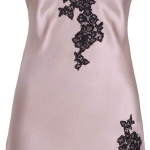 close up of Aubade Toi Mon Amour Silk Chemise in Sonate Rose