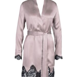 close up of Aubade Toi Mon Amour Silk Robe in Sonate Rose