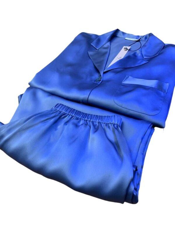 close up of Luna di Seta Silk Pajamas in Lavender set