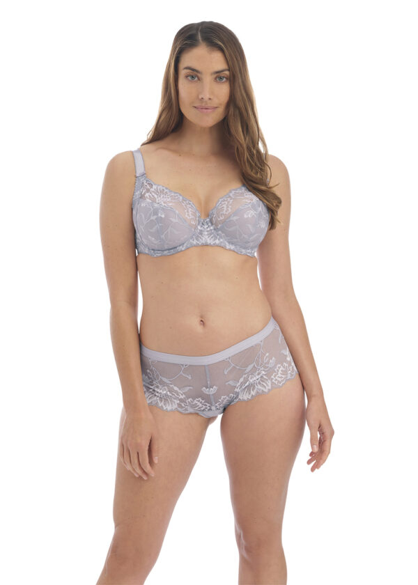 wearing the Fantasie Aubree Side Support Bra in Moonlight with short